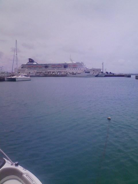 港にきています